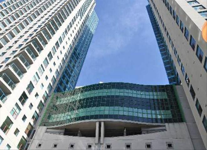 77 Harbour Sq