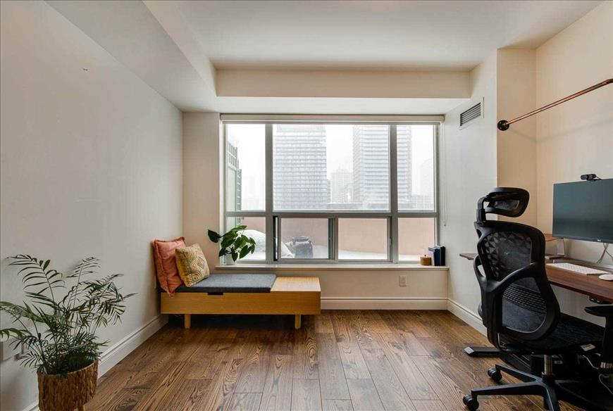889 Bay St Toronto David Stoddard